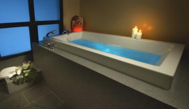 Indoor hot tub at Vail Mountain Lodge & Spa.