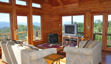 Cabin living room at Great Smokys Cabin Rentals.