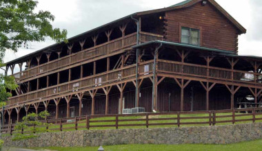 Exterior of the Lodge at Cliffview Resort