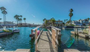 Rental fishing pier at Seabreeze Vacation Rentals, LLC-Orange County.