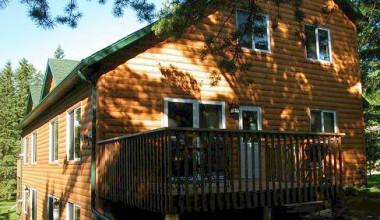 Cabin Exterior at Woodland Beach Resort