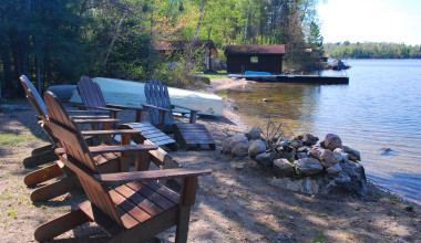 Lakeside seating at Tamarack Resort.