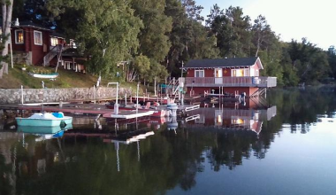 Cabins on the Lake at Beauty Bay Lodge & Resort