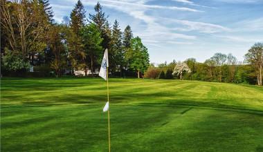 Golfing at Skytop Lodge.