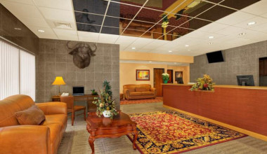 Lobby area at Rushmore Express Inn & Family Suites.
