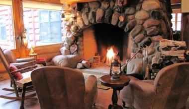 Lounge at Big Bear Lodge and Cabins.