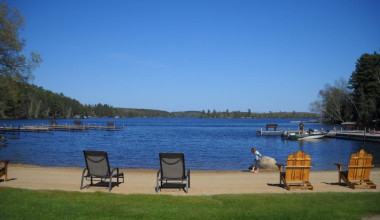Lake View at  Head-O-Lake Resort