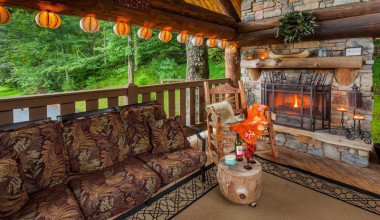 Patio at Mountain Oasis Cabin Rentals.