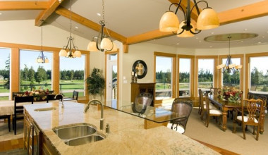 Dining and kitchen at Crown Isle Resort & Golf Community.