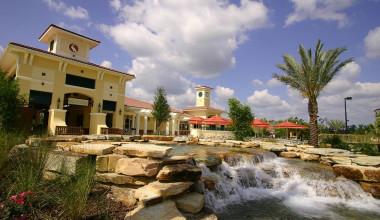 Exterior view of Holiday Inn Club Vacations at Orange Lake Resort.