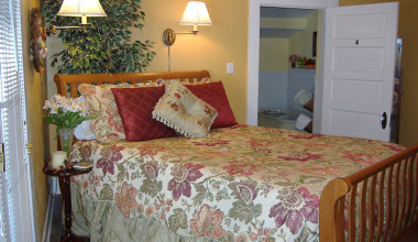 Guest room at Granbury Gardens B & B.
