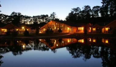 Nighttime view of Kavanaugh's Sylvan Lake Resort.