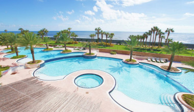 Vacation rental pool at Ryson Vacation Rentals.