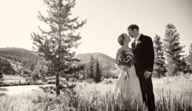 Wedding couple at 320 Guest Ranch.