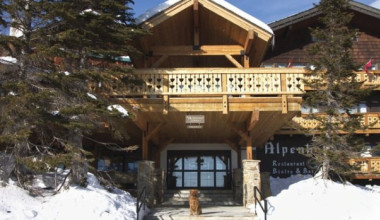 Exterior view of Alpenhof Lodge.