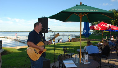 Live music at Quarterdeck Resort.