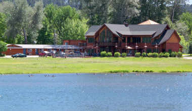 Exterior view of Canyon Lake Resort.
