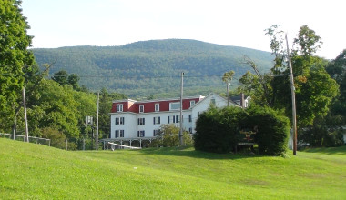 Exterior view of Winter Clove Inn.