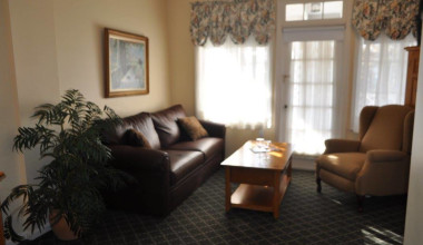 Sitting room at Cos Cob Inn.