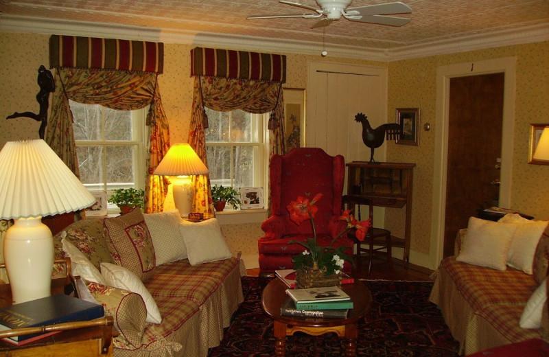 Living area at Nutmeg Country Inn.