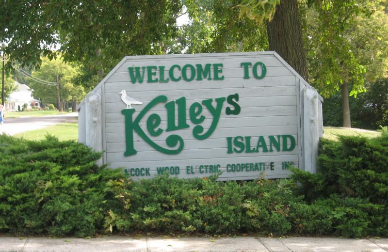 Kelly's island near Maui Sands Resort & Indoor Waterpark.