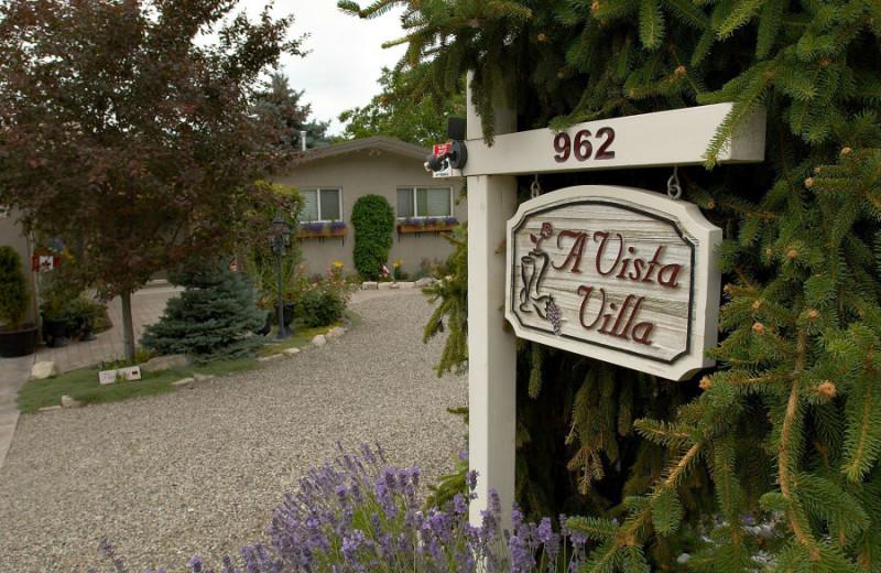 Exterior view of A Vista Villa Couples Retreat.