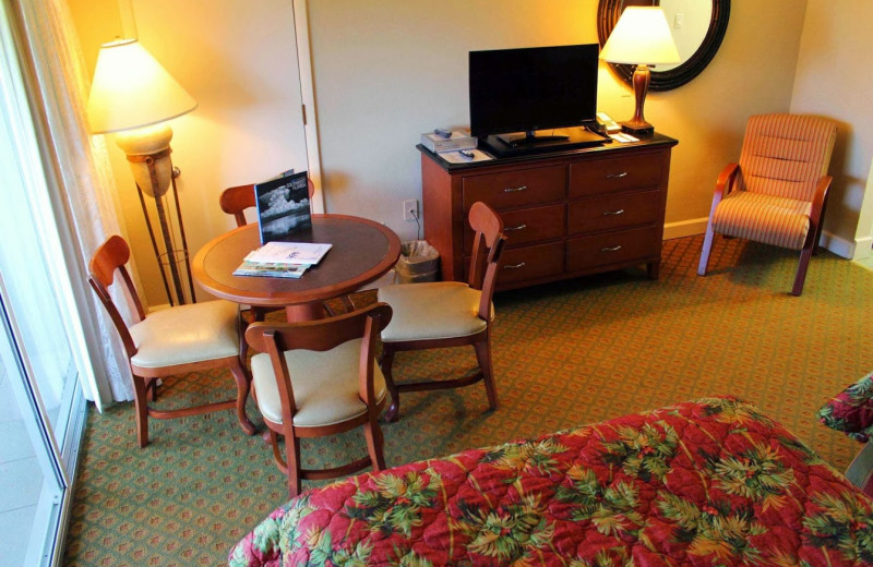 Guest room at West Wind Inn.