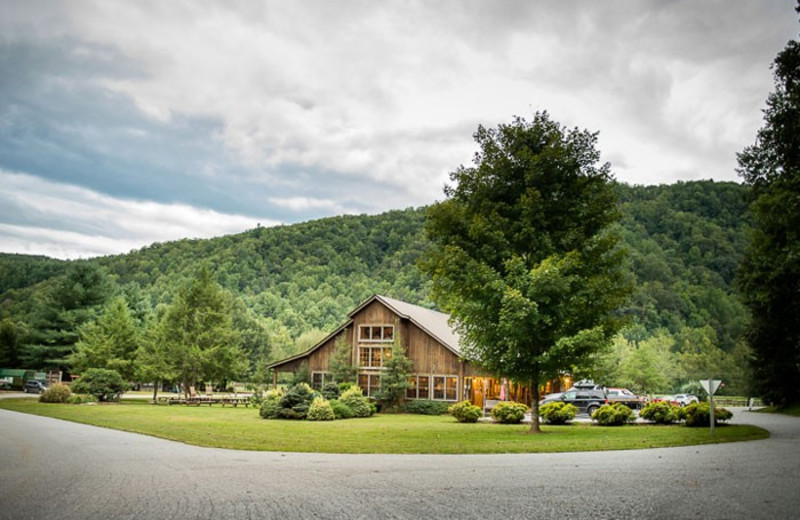 Exterior view of Leatherwood Mountains Resort.