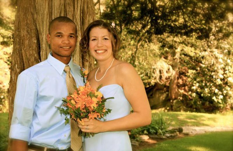 Wedding couple at Leatherwood Mountains Resort.
