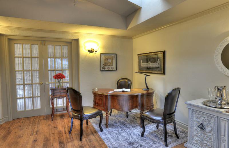 Office area at A Vista Villa Couples Retreat.