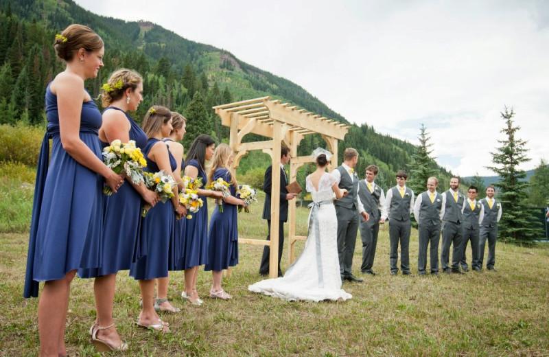 Outdoor wedding at Vail Racquet Club.