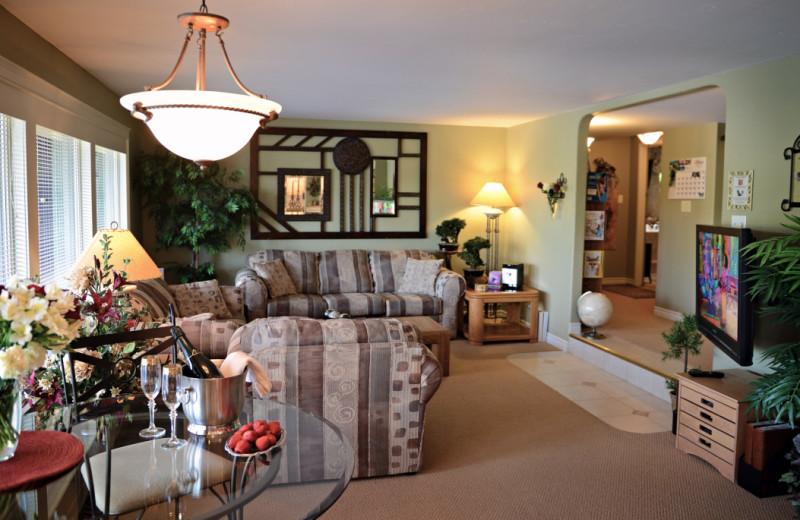 Living room at A Vista Villa Couples Retreat.