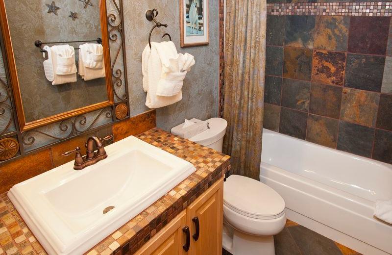Vacation rental bathroom at Vail Racquet Club.