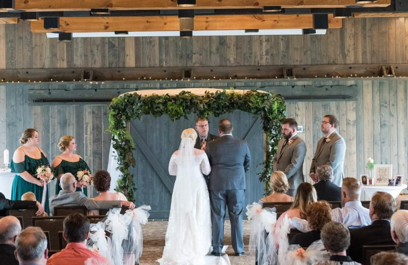 Weddings at Madden's on Gull Lake.
