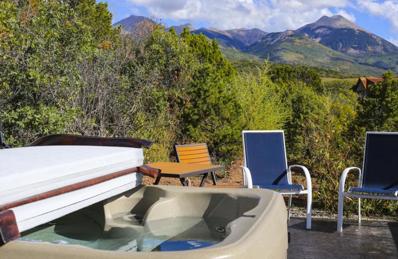 Hot tub at Whispering Oaks Ranch.