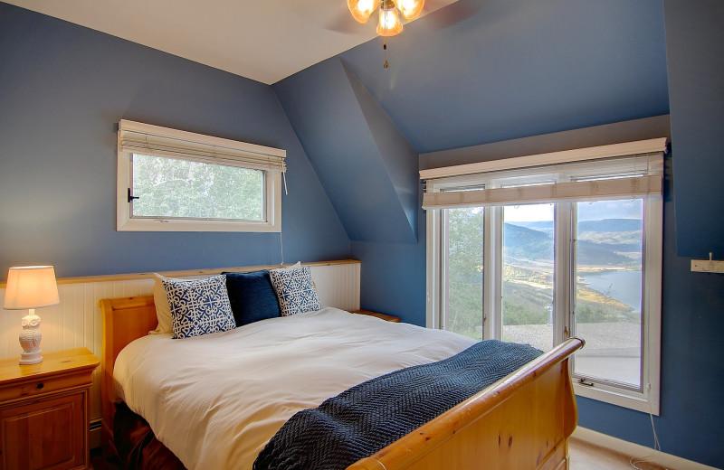 Cottage bedroom at Bella Vista Estate.