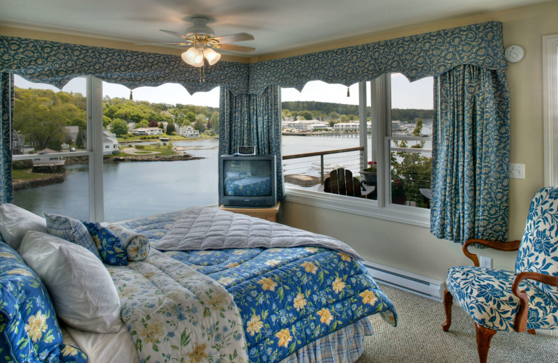 Guest room at Harborage Inn.