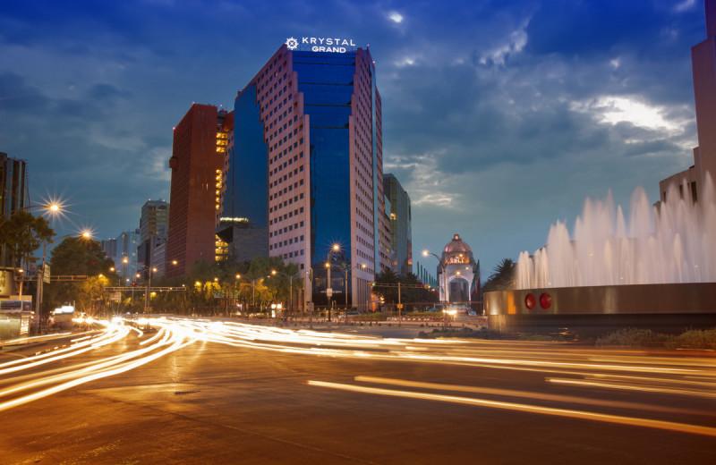 Exterior view of Hotel Krystal Grand Reforma Uno.