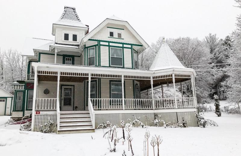 Winter at Antique Rose Inn.