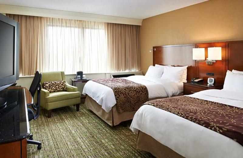 Guest room at Detroit Marriott Livonia.
