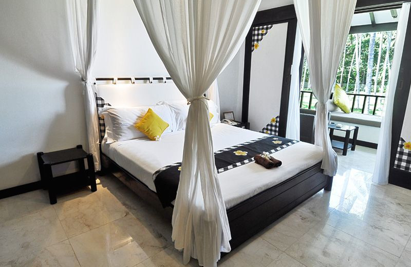 Guest room at Candi Beach Hotel.