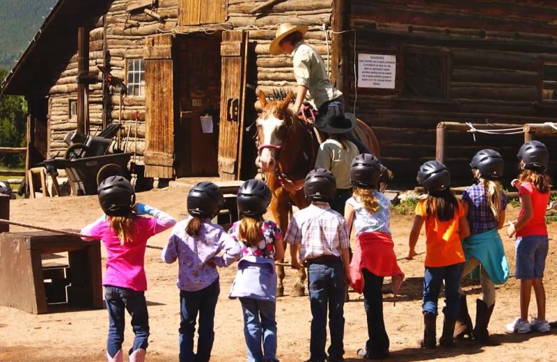 Horseback riding lessons at Wind River Ranch