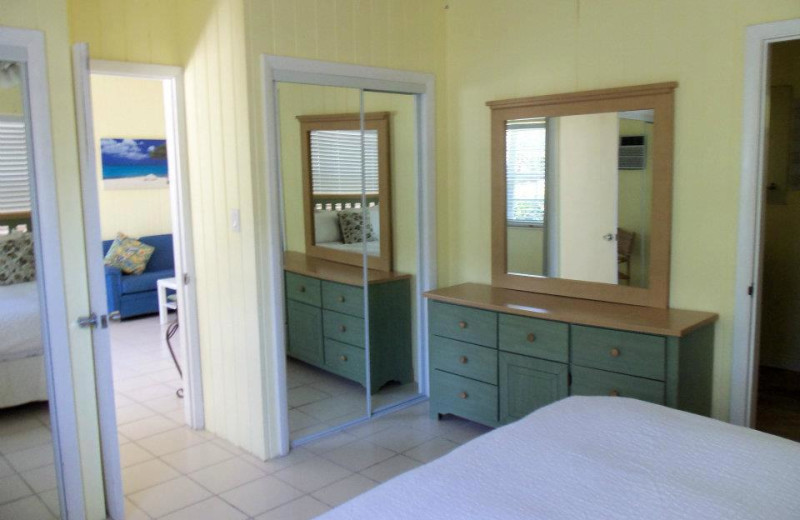 Bedroom dresser and mirror at Coral Bay Resort.