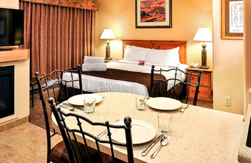 Guest room at Bell Rock Inn.
