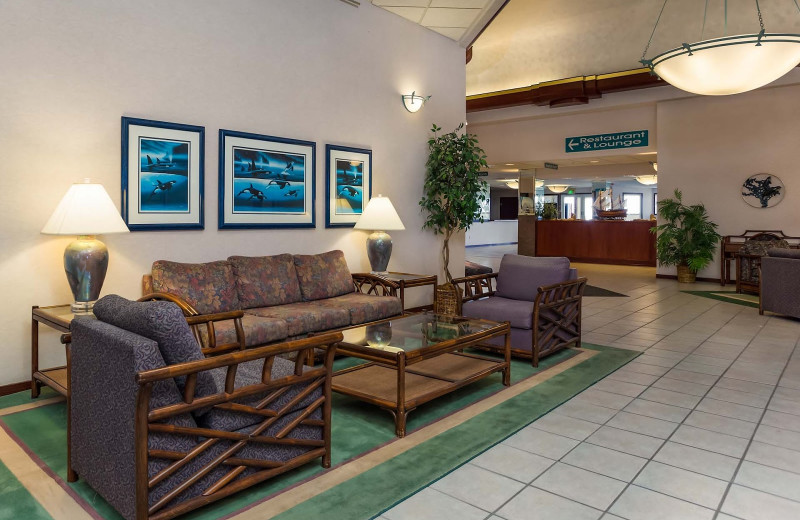 Lounge at Shilo Inn Suites Hotel Ocean Front Resort.