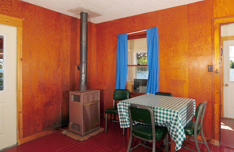 Guest dining room at Whitefish Bay Camp.