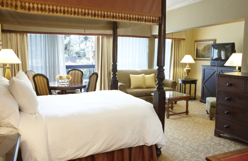 Guest room at Sportsmens Lodge.