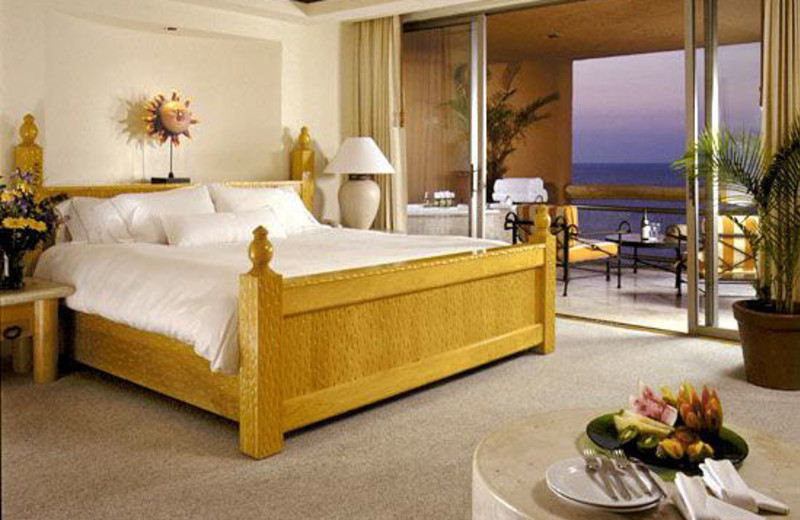 Guest room at The Westin Regina Golf and Beach Resort.