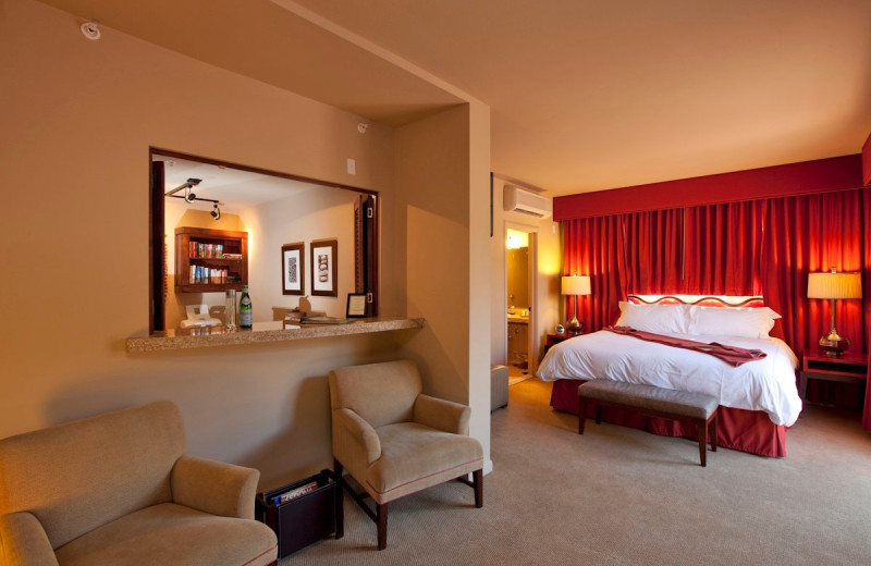 Suite guest room at Sedona Rouge Hotel.