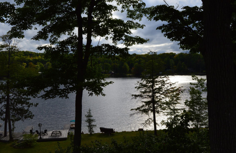 An evening sunset overlooking the lake at Heather Lodge, relaxing and nature!